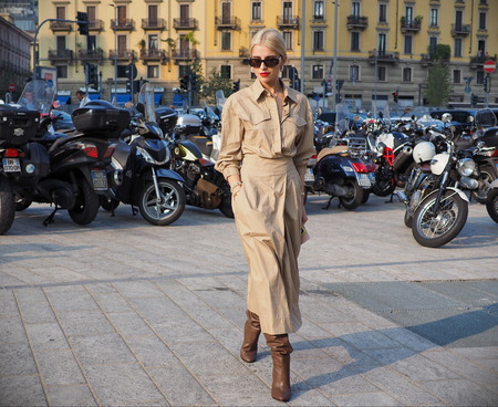 MILAN, Italy: 19 september 2018: Blogger streetstyle outfit before Alberta Ferretti fashion show during Milan fashion week Fall / winter 2018/2019. Editorial