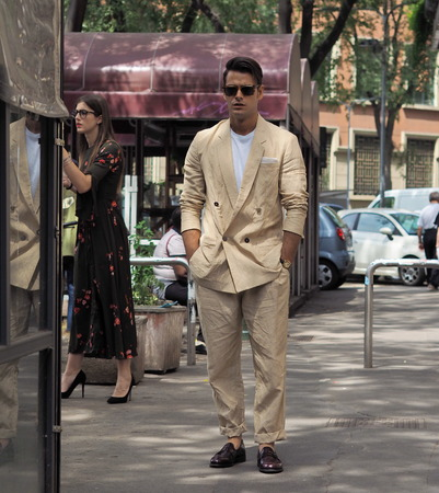 MILANO, Italy: June 15, 2019: Frank Gallucci street style outfit after Armani fashion show during Milan Fashion Week man Fall / winter 2019/2020 에디토리얼