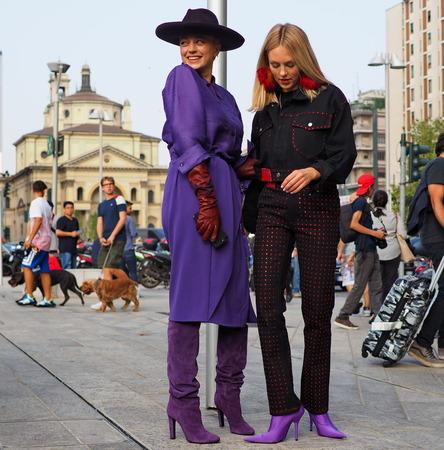 MILAN, Italy: 19 september 2018: Shea Marie and Caroline Vreeland posing before Alberta Ferretti fashion show during Milan fashion week Fall  winter 20182019. 報道画像
