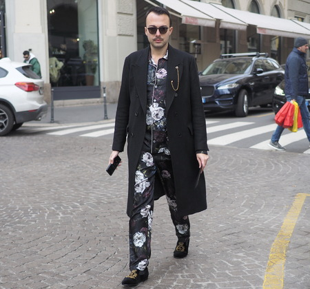 MILANO, Italy: 13 January 2019: Fashion bloggers street style outfit after DAKS fashion show during Milan Fashion Week man Fall  winter 20192020 報道画像