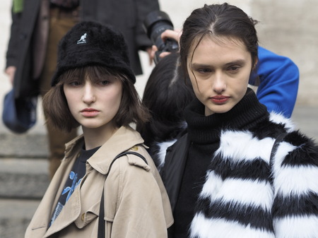 MILAN, Italy: 12 January 2019: Fashion bloggers street style outfits ater FRANKIE MORELLO fashion show during Milan Fashion Week man Fall  winter 20192020 報道画像