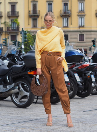 MILAN, Italy: 20 September 2019: Leonie Hanne outfit street style before Sportmax fashion show during Milan fashion week Spring  Summer 20192020 報道画像