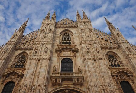 Facade and details of Milan Dome, Lombardy, Italy Publikacyjne