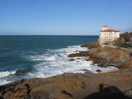 wavely: Tuscan coast in winter with Boccale castle near Livorno, Italy Stock Photo