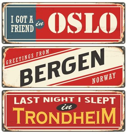 Vintage collectie borden met steden en toeristische attracties in Noorwegen