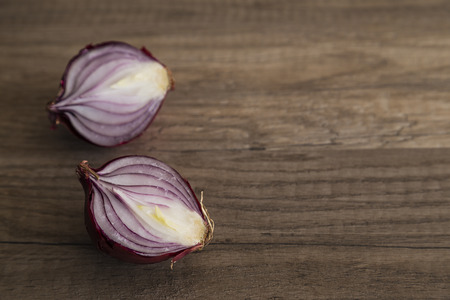 onion slice: Sliced red onion halves
