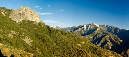 kings canyon national park: Moro Rock in Sequoia and Kings Canyon National Park, California.  Moro Rock is a large granite dome also found in the Giant Forest area. Common in the Sierra Nevada, the dome was formed by exfoliation, or the casting off in sheets of rock layers on otherw