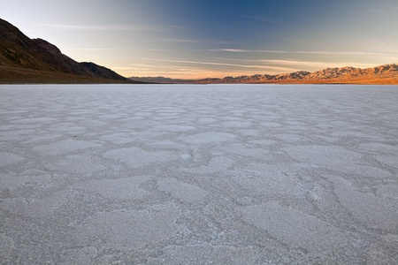mohave: Badwater Basin, Death Valley National Park, California. Badwater Basin is the lowest point in North America, with an elevation of 282 ft (86 m) below sea level. Stock Photo