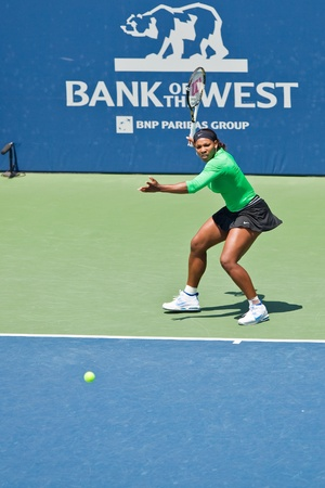 STANFORD UNIVERSITY, CA - JULY 31: Serena Williams, USA, plays in final game at the Bank of the West Classic vs. Marion Bartoli, FRA, on July 31, 2011 in Stanford, CA  Stock Photo - 10086464