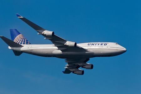 afterburner: SAN FRANCISCO, CA - OCTOBER 9: United Airlines Boeing 747 demonstration during 2011 San Francisco Fleet Week on October 9, 2011 in San Francisco, CA.  Editorial