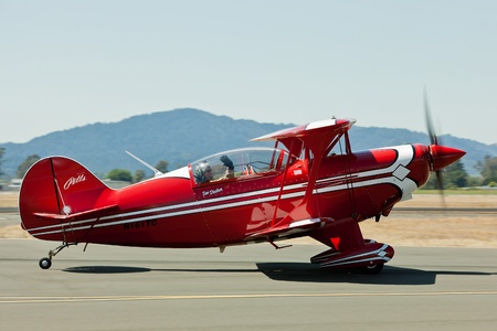 charles county: SANTA ROSA, CA - AUG 21: Tim Decker taxi on his Pitts S-2B during the Wings Over Wine Country Air Show, on August 21, 2011, Charles M. Schulz - Sonoma County Airport, Santa Rosa, CA.                              Editorial