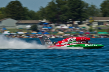 crowd tail: TRI-CITIES, WA - JULY 29: Steve David pilots the U-6 Oh Boy Oberto unlimited hydroplane at the Lamb Weston Columbia Cup July 29, 2012 on the Columbia River in Tri-Cities, WA. Editorial