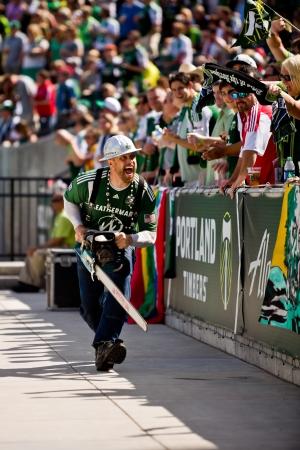 포틀랜드, 또는 9 월 15 일 : 목재 조이 경기 전에 시애틀 Sounders 대 포틀랜드 목재, 전에 포틀랜드, OR에서 Jeld- 웬 필드에서 2012 년 9 월 15 일에 그의 전기