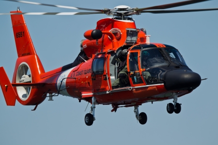 TRI-CITIES, WA - JULY 28: USCG Eurocopter HH-65C Dolphin Helicopter Rescue Demonstration Flight at the Lamb Weston Columbia Cup July 28, 2012 on the Columbia River in Tri-Cities, WA.  Stock Photo - 16507083