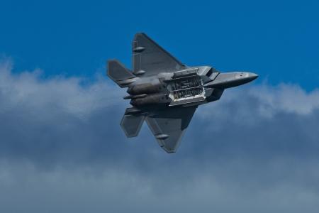 twin engine: SAN FRANCISCO, CA - OCTOBER 5:  USAF F-22 Raptor aircraft demonstration during Fleet Week in San Francisco, CA on October 5, 2012 Editorial