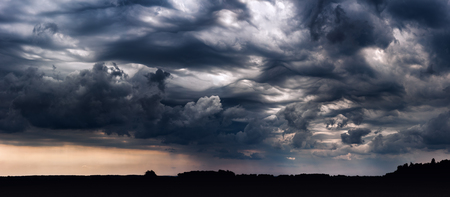 Panoramic image of storm clouds with asperitas clouds 스톡 콘텐츠