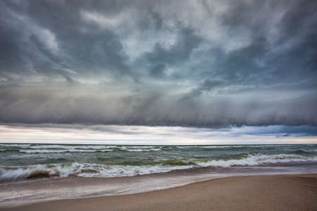 Shelf cloud over the Baltic sea, storm coming Reklamní fotografie