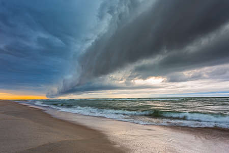 Shelf cloud over the Baltic sea, storm coming Banco de Imagens