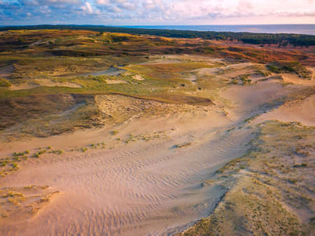 Beautiful Grey Dunes, Dead Dunes at the Curonian Spit in Nida, Neringa, Lithuania Banco de Imagens - 152745514