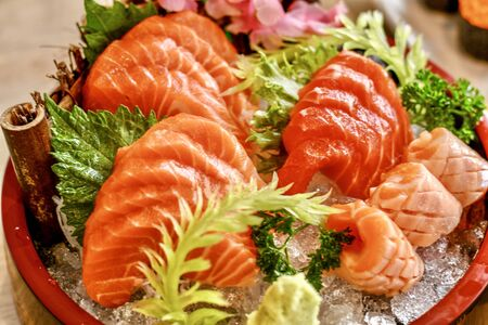 The dilicious Japanese foods is sushi and sashimi. Imagens