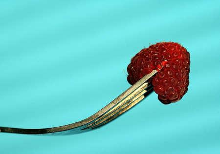 riek: blauw, kruk, bestek-, voedingsmiddelen-, vork, fruit, spoor, frambozen, rode, restaurant, zilver, zomer,