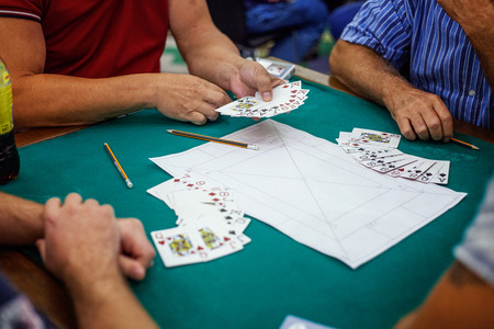 people play cards