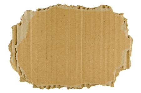 karton: barna szakadt karton elszigetelt a fehér háttér