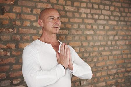 calvicie: Man Practising Yoga, Portrait