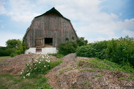 Alternate View Places Southern Ontario Amherstburg Dilapidated Abandoned Barn cloudy sky scene Stock Photo