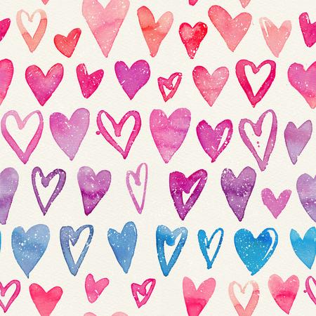 Nahtloses Aquarellmuster mit bunten Herzen auf einer Papierbeschaffenheit. Helle Farbtöne von Pink, Rot und Blau. Handgemalte romantische Textur zum Valentinstag, Verpackung, Hochzeit, Geburtstag Standard-Bild - 97207286