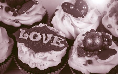 Birthday cupcake. Cupcakes for Valentine's Day. Love cupcakes with love. Foto de archivo