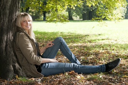 soulfulness: young woman sitting in the park