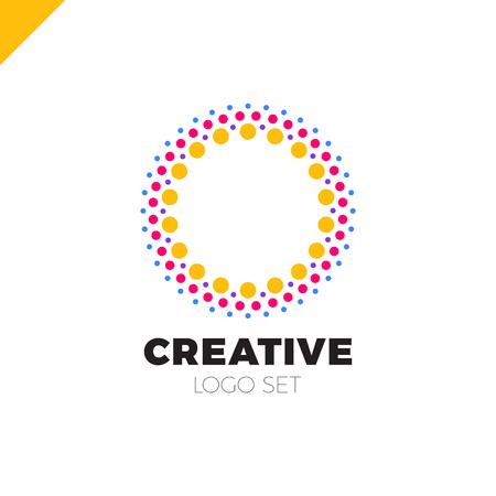Logo intelligent et créatif, point ou point O. Logo intelligent et idée Banque d'images - 78157386