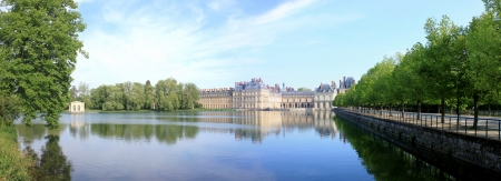 Chateau de Fontainebleau in France and it s lake