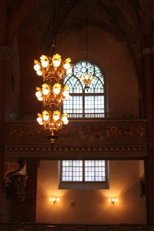 droplight: un'immagine descrivere una calata e la finestra in una vecchia chiesa Archivio Fotografico
