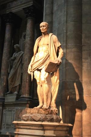 Religion Statue in Milano Churchof Duomo Stock Photo - 16507522