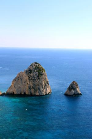 As vistas da grande e pequena ilha de Mizitra de Zakynthos, na Grécia. Banco de Imagens