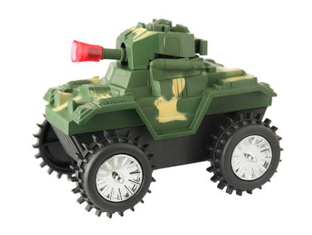 tanque de guerra: tanque de juguete, tanque de guerra juguete aislado en el fondo blanco