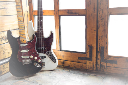 fender stratocaster: Vintage Electric guitar and bass