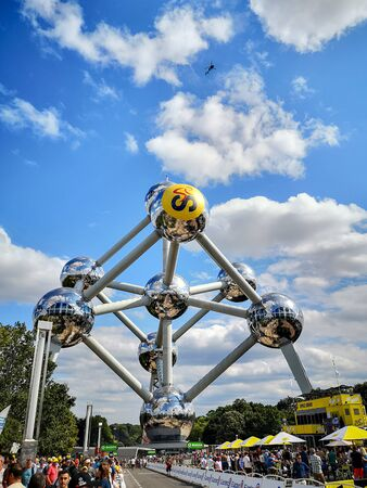 July 7th 2019 - Brussels, Belgium: People gathering at the Atomium for the occasion of the 2019 Tour de France in Brussels Stock fotó - 127151450