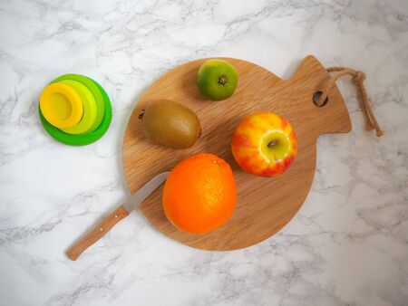 Set of reusable silicone food wraps for cut fruits and leftovers in a zero waste lifestyle Stock fotó - 131910239