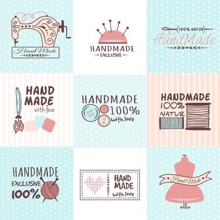 Set di vintage retrò badge fatti a mano ricamo, etichette ed elementi logo, simboli retrò per negozio di cucito locale, artista club di maglia o sartoria di moda. Modello logo vettoriale.