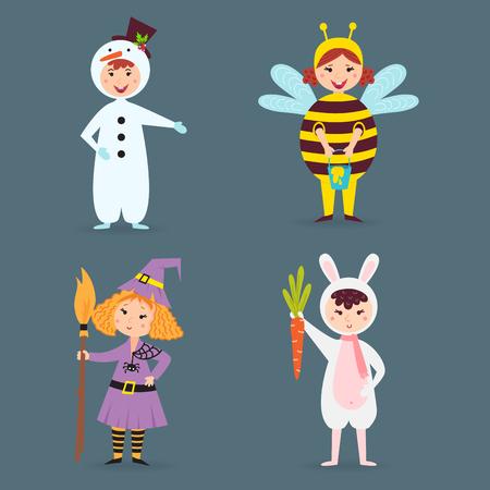 I bambini svegli che indossano il Natale costumes i caratteri allegri di feste dei bambini dei piccoli caratteri isolati di feste Archivio Fotografico - 86812961