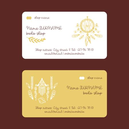 Boho winkel hand getrokken visitekaartjes vectorillustratie. Dream catcher amulet, planten zoals bloemen met bladeren, tak, veer. Contactgegevens zoals mobiele telefoon, e-mail, adres, website.
