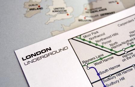 Mapa del metro subterr�neo de Londres sobre el mapa de Europa