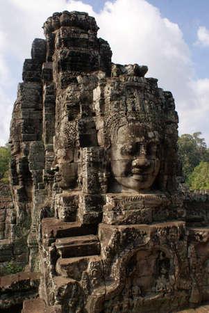 angkor wat: Ancient Bayon temple in Angkor , Cambodia