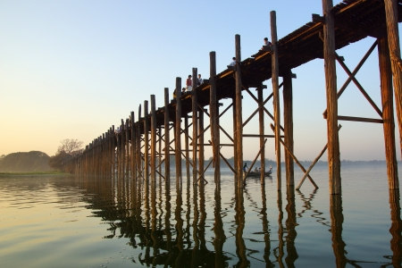 tranquille: U bein bridge at sunset in Amarapura near Mandalay, Myanmar (Burma) Stock Photo