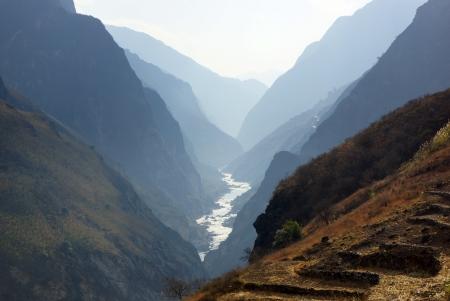 Tiger Leaping Gorge-hutiaoxia dichtbij Lijiang, Yunnan Provincie, China Stockfoto