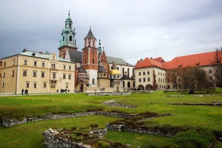 cracovia: Wawel Cathedral, The Cathedral Basilica of Sts. Stanislaw and Vaclav on the Wawel Hill in Krakow (Cracow Editorial