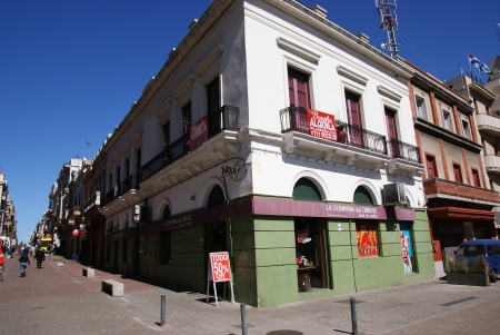montevideo: Montevideo, Uruguay Editorial